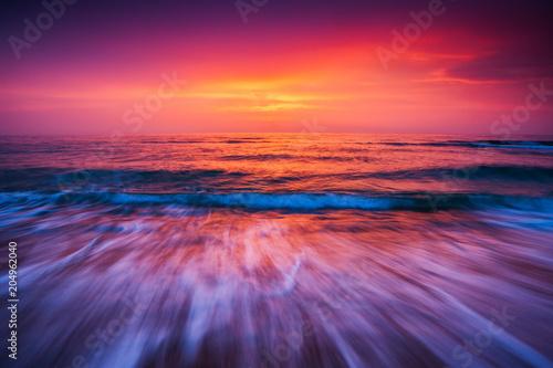 Poster Prune Beautiful sunrise over the sea