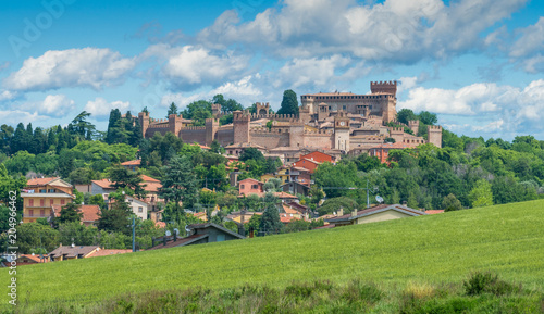 Photo sur Aluminium Piscine Gradara, small town in the province of Pesaro Urbino, in the Marche region of Italy.
