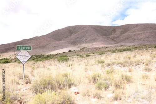 Fotobehang Donkergrijs Carretera y paisaje. Jujuy, Humahuaca