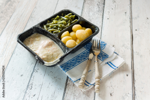 Fototapeta TV dinner with beans obraz