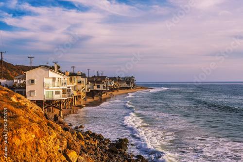 Fotografia, Obraz  Oceanfront homes of Malibu beach in California