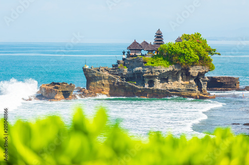 In de dag Asia land Tanah Lot - Temple in the Ocean. Bali, Indonesia