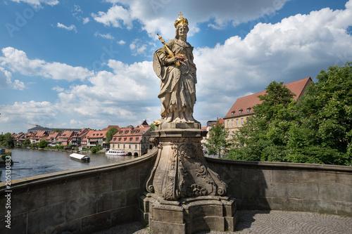 Foto op Plexiglas Artistiek mon. Statue der Kaiserin Kunigund in Bamberg