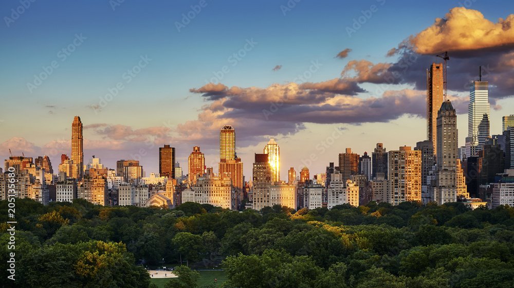 Fototapety, obrazy: New York City Upper East Side skyline over the Central Park at sunset, USA.
