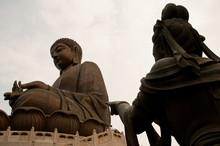 Budda Con Statua Ad Hong Kong