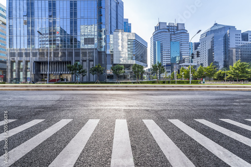 Poster Pekin Empty Road with modern business office building