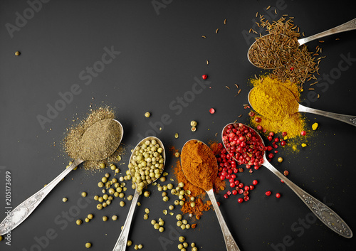 Foto op Canvas Aromatische various spices on black background
