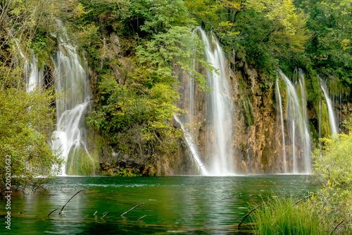 Aluminium Prints Dark grey Wasserfälle im Nationalpark Plitvicer Seen