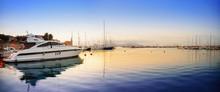 Sonnenaufgang In Kleinem Hafen