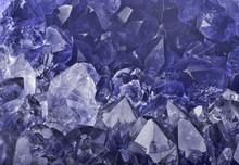 Dark Blue Sapphire Crystals Ma...