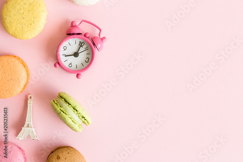 Foto op Plexiglas Macarons French food and culture creative background.