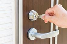 玄関 ドア開閉 キー...