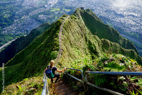 Obraz na plátne  The Stairway to Heaven, Haiku Stairs, Oahu, Hawaii, The USA