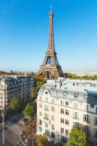 Foto op Aluminium Centraal Europa Eiffel tower with a perfect blue sky, Paris