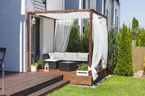 Cuadros en Lienzo Chillout lounge on wooden terrace