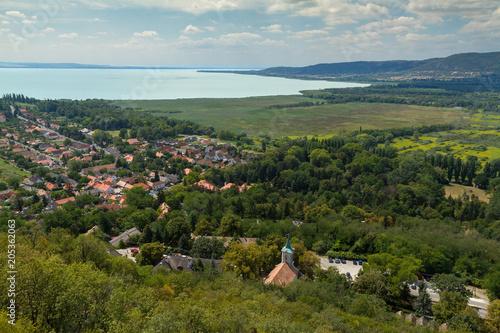 Beautiful Hungarian landscape from a lake Balaton, near the small village Szigli Fototapet