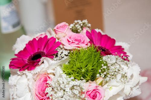 Brautstrauss Pink Rosa Weiss Buy This Stock Photo And Explore