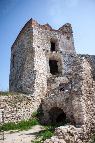 In de dag Rudnes Castle ruins