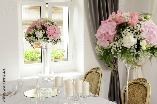 flowers, fresh, beauty, candle, celebration, people, romantic, wedding, table, decor, roses, white, prepared, pink, love, lifestyle,