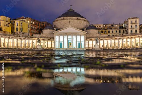 Valokuva  Church San Francesco di Paola, Plebiscito Square ( Piazza del Plebiscito ) at ni