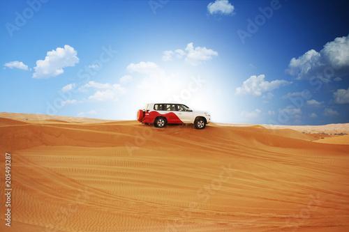 Zdjęcie XXL Pustynne safari z samochodem terenowym 4x4 w słońcu
