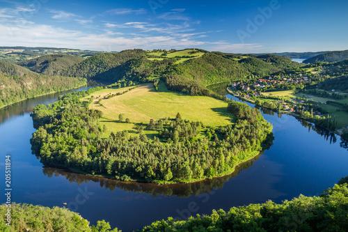 Foto auf Gartenposter Fluss View of Vltava river horseshoe shape meander from Solenice viewpoint, Czech Republic