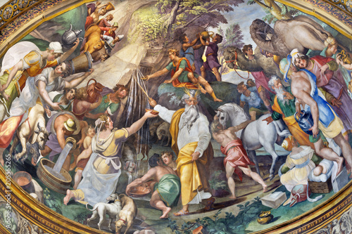 Photo PARMA, ITALY - APRIL 16, 2018: The fresco of fhe scene as Moses gets water from the rock in side apse of Duomo by  Oracio Samacchini (1570 - 1574)