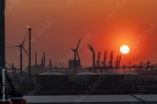 Foto op Canvas Baksteen The Rotterdam harbour during sunset - Netherlands