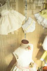 Fototapeta na wymiar Childrenswear fashion shop window