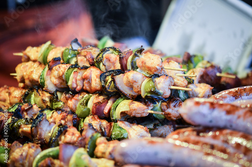 In de dag Grill / Barbecue mix grilled skewers close up
