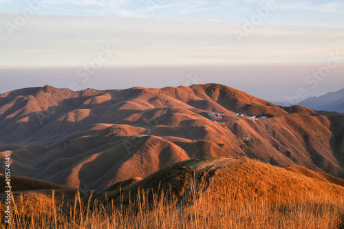 Spoed Foto op Canvas Diepbruine Sunrise of Wugong Mountain