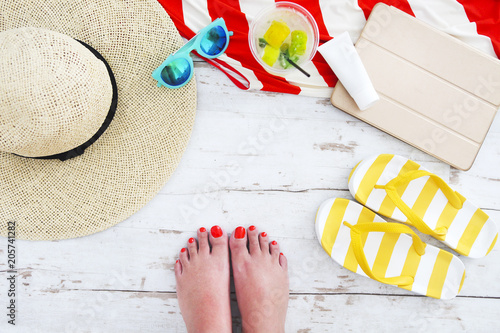 Fotografia, Obraz  Beach accessories on white wooden background