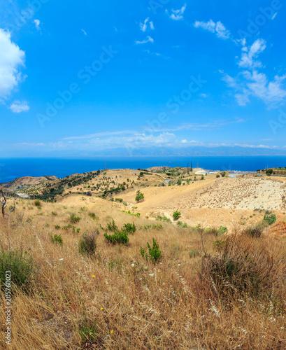 Spoed Foto op Canvas Mediterraans Europa Sea and Sicily island in far, Motta San Giovanni outskirts, Italy