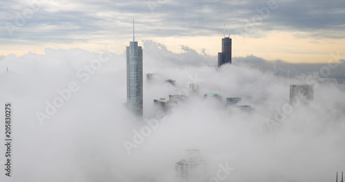 Poster Lieux connus d Amérique Chicago downtown buildings skyline thick fog cloud