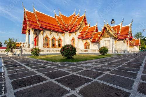 Tuinposter Temple The Marble Temple, Wat Benchamabopitr Dusitvanaram, Bangkok, Thailand