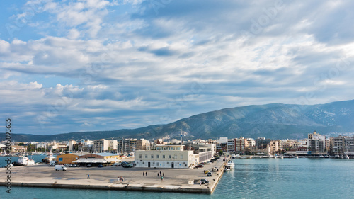 Tuinposter Stad aan het water Volos port and harbor at morning with Pelion mountain in background, Greece