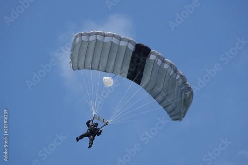 Fotografia, Obraz parachutiste des forces spéciales