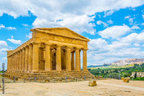 Fotobehang Bedehuis View of the Concordia temple in the Valley of temples near Agrigento in Sicily, Italy