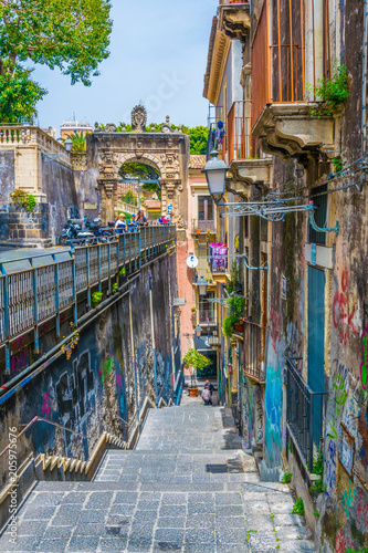 In de dag Chicago View of a narrow street in Catania, Sicily, Italy