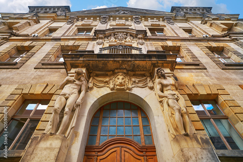 Staande foto Oude gebouw oberlandesgericht building door Dresden Germany