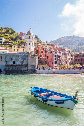 Tuinposter Liguria Boats in the old town of Vernazza in Cinque Terra Italy
