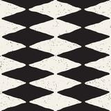 Ręka rysujący abstrakcjonistyczny bezszwowy wzór w czarny i biały. Retro grunge odręczne postrzępione linie tekstury. - 206015496