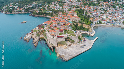 Papiers peints Con. ancienne Aerial view of the old town Ulcinj