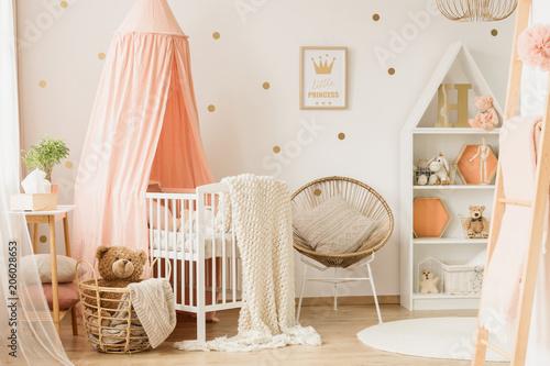 Fotobehang Wintersporten Pink child's bedroom interior