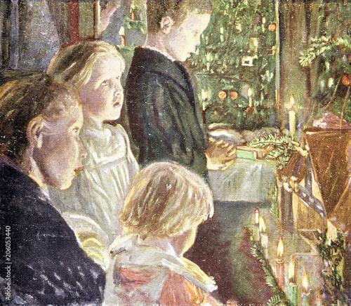 Weihnachtslieder Modern Deutsch.Kinder Singen Weihnachtslieder Am Weihnachtsbaum Buy This Stock