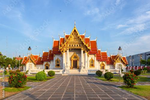 Fotobehang Temple The Marble Temple, Wat Benchamabopitr Dusitvanaram, Bangkok, Thailand