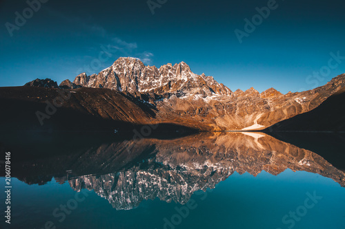 Foto auf AluDibond Blau türkis Wonderful panoramic view the Gokyo Lake on the mighty Himalayas mountains background. The protected area of the Sagarmatha National Park in the north-eastern Nepal.
