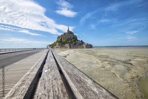 Photo  road that leads to Mont Saint-Michel