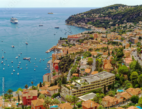 Платно Overlook of the resort community of Villefranche-sur-Mer on the Mediterranean Co