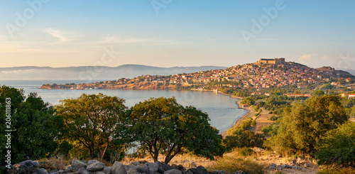 Photo Panorama view of the village Molivos in evening light, Lesvos, Greece, Europe